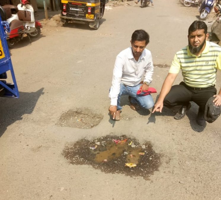Citizens Ensure Environmental Safety by Filling Potholes in Mumbai